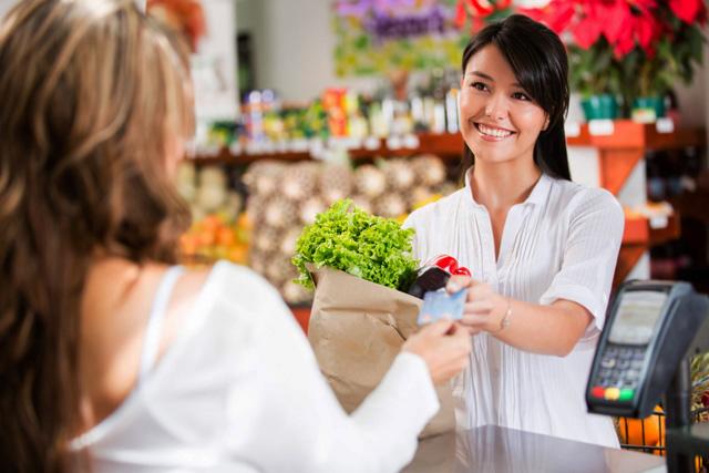 Profesión de vendedor, cajero o dependiente en tiendas.