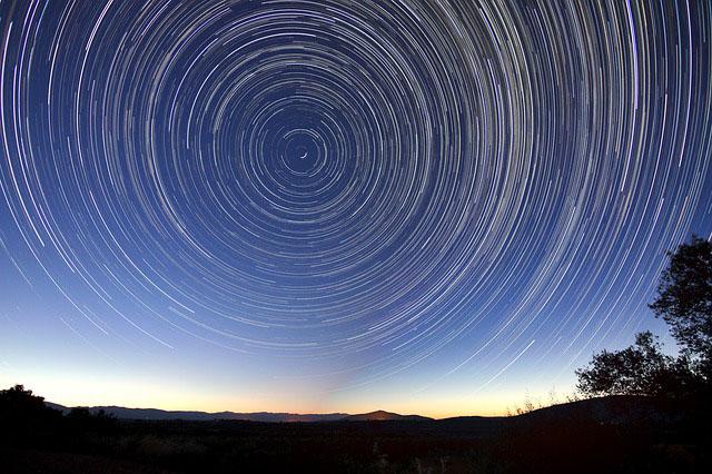 Profesión de vidente, astrólogo, adivinador y afines.