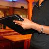 ¿Cuánto cobra un recepcionista de hoteles?